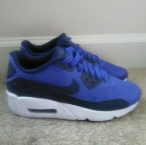 Nike Air Max Sneakers (Size 7M/8.5W)